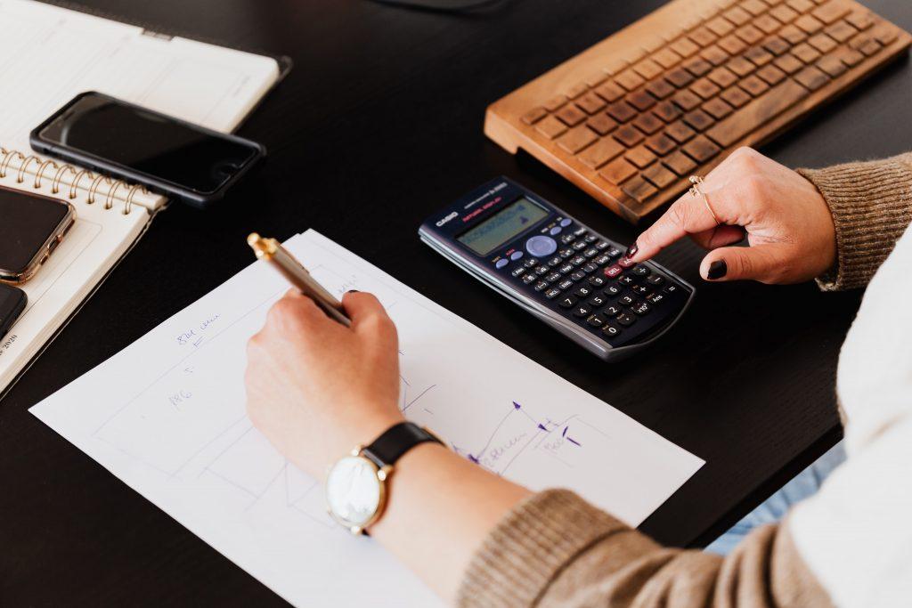 Realtor® Calculating Home Measurements